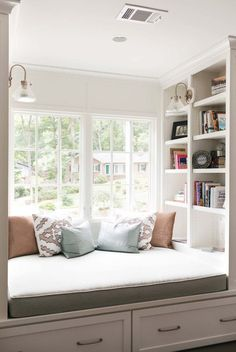 20 Incredibly cozy book nooks you may never want to leave! 20 Incredibly cozy book nooks you may never want to leave! Bedroom Reading Nooks, Bed Nook, Bedroom Nook, Cozy Nook, Home Decor Bedroom, Bedroom Ideas, Bay Window Bedroom, Bedroom Seating, Diy Bedroom