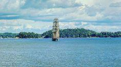 Barco de vela navegando por el archipiélago de Estocolmo. #Sailboat #BalticSea #Stockholm #Sweden #Traveling #BarcoDeVela by jmzm77