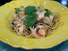 Get Shrimp and Spaghetti Aglio e Olio Recipe from Food Network Fish Recipes, Seafood Recipes, Dinner Recipes, Pasta Recipes, Dinner Ideas, Fish Dishes, Seafood Dishes, Main Dishes, Pasta Dinners