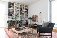 #Goodcompany #Gogood #Together #scandinavian #sustainability #homeliving #recycling #sustainablehome #sustainableliving #reuse #reuseinterior #greeninterior #modernhome #home #decor #scandinavian #scandinavianinterior  #ombruk #fornybareinteriørløsninger #renewable #modernhome #home #whiteinterior Decor, Storage, Corner Desk, Bookcase, Corner Bookcase, Furniture, Shelves, Reused Furniture, Home Decor