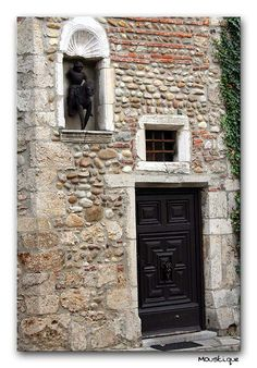 doors and window  2/4 - Perouges, Rhone Alpes
