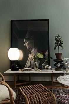 Bold home decor in dark color #bolddecor