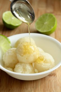 Lemon-Lime Sorbet with Honey ♥ Dessert Lime Desserts, Ice Cream Desserts, Frozen Desserts, Ice Cream Recipes, Frozen Treats, Delicious Desserts, Yummy Food, Sorbet Ice Cream, Lime Sorbet