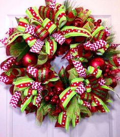 #Christmas tree decorations ideas red & green #wreath ToniK Ðℯck Ʈհe HÅĿĿs #DIY #crafts