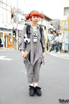 Pink Twin Buns Hairstyle, Kinji Gingham & Tokyo Bopper in Harajuku Kinji Harajuku Ririan – Tokyo Fashion News Japanese Streets, Japanese Street Fashion, Tokyo Fashion, Harajuku Fashion, Grunge Fashion, Fashion News, Tokyo Street Style, Street Style Women, Japan Street