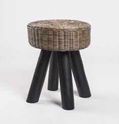 hocker aus massivholz und kunststoff rattan farbe braun schwarz sitzhohe 44 cm