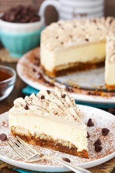 Layers of ladyfingers, mascarpone filling and Kahlua whipped cream! Layers of ladyfingers, mascarpone filling and Kahlua whipped cream! Easy Tiramisu Cheesecake Recipe, Easy No Bake Cheesecake, Homemade Cheesecake, Tiramisu Cake, Cheesecake Bites, Pumpkin Cheesecake, Best Cheesecake, Cheesecake Cookies, Puddings