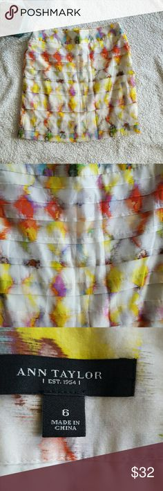 Ann Taylor Watercolor Skirt Size 6 Beautiful skirt! Waist 32 inches. Length is 18.5 inches. 30 percent off bundles  See my closet for amazing bundle ideas including swimwear and shoes!!! Ann Taylor Skirts Mini