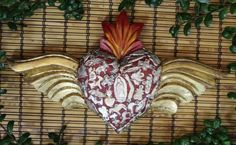 Large-Wooden-Heart-amp-Gold-Wings-Milagros-Folk-Art-Michoacan-Mexico-Valentine