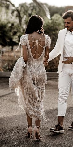 Wedding Dresses Ball Gown Tulle 39 Vintage Inspired Wedding Dresses vintage inspired wedding dresses with cape sleeves sequins a line low back wona - Beach Wedding Dresses Vintage Inspired Wedding Dresses, Princess Wedding Dresses, Best Wedding Dresses, Vintage Dresses, Wedding Gowns, Wedding Bride, Boho Wedding, Gatsby Wedding Dress, Wedding Dresses With Cape