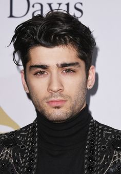 The hair evolution of one direction's zayn malik Coiffure Zayn Malik, Cabelo Zayn Malik, Estilo Zayn Malik, Zayn Malik Fotos, Zayn Malik Tattoos, Zayn Malik Hairstyle, Zayn Malik Style, Zayn Malik Photoshoot, Boyfriends