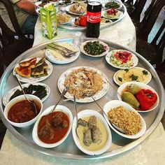 The people of Israel don't eat, they feast! A simple lunch spread at the home of a local family consisted of a host of delicacies, from Kuskus to Manaqeesh; and Ajay managed to sample most of the iconic flavours of Israel in a matter of minutes! #GYDLive #GrabYourDream #Israel #explore