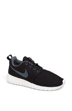 'Roshe Run' Sneaker (Women)