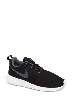 'Roshe Run' Sneaker (Women)