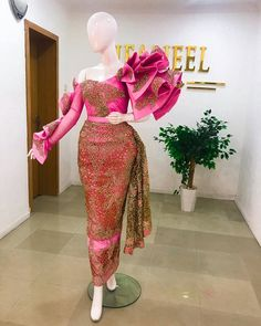 """Jeaneel Couture on Instagram: """"J E A N E E L  B R I D E💕🎀💕 • • • • Fabric @houseofgeorge987 • • •  Outfit is available to order  For custom made pieces : Dm/WhatsApp/…"""" African Prom Dresses, African Wedding Dress, African Dress, African Attire, African Outfits, Traditional Wedding Attire, Lace Dress Styles, Ankara Dress, Lace Evening Dresses"""