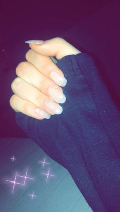 #nails #snapchat Girl Hand Pic, Girls Hand, Girls Status, Hand Photo, Tumblr Love, Drawing Quotes, Foto Instagram, Snapchat, Girly Pictures