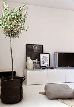 Home Design: Interior design trends. 2016 trends, Home design t. Home Living Room, Living Room Decor, Living Spaces, Interior Design Minimalist, Modern Interior, Modern Design, Modern Tv, Tree Interior, Marble Interior