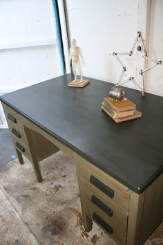 Reloved Rubbish: Vintage Teacher's Desk. I could totally do this to my new old wooden teacher desk!
