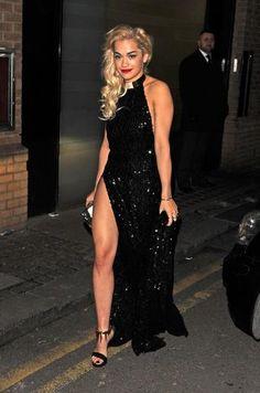 Rita Ora Age, Bio, Net Worth, Boyfriends & More - Famous World Stars Rita Ora, Popular Actresses, Classic Outfits, Oras, Red Carpet Dresses, Red Carpet Fashion, Beautiful Celebrities, Girl Crushes, Day Dresses