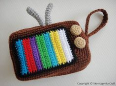 Crochet Pattern - VINTAGE TELEVISION PURSE - For cell phone / money / others - in pdf. $3.00, via Etsy.