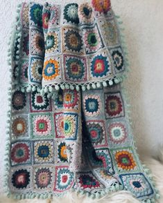 Bed In Living Room, Living Room Decor, Bedroom Decor, Bed Room, Wool Yarn, Crochet Stitches, Plaid, Blanket, Handmade