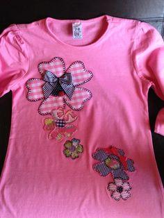 Ejemplos de camisetas decoradas con la técnica de patchwork y telas estampadas. Visita nuestra web de diseño de ropa y complementos, manualidades, etc.