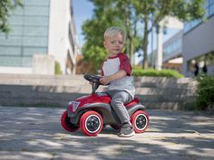 Odrážadlo pre deti auto Next Bobby Car so zvukom a svetlom od 12 mesiacov.