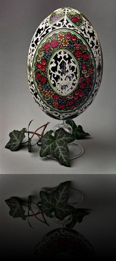 Nandu Ei - carved and painted Egg