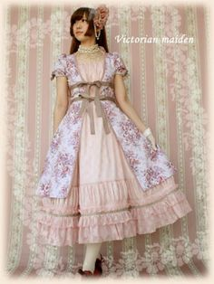 Victorian Maiden | Classical Bouquet Over OP