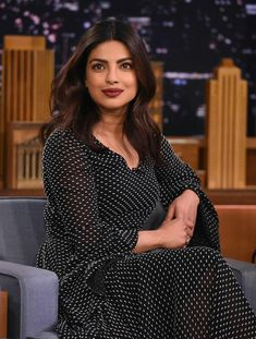 """Quantico"" actress Priyanka Chopra visits ""The Tonight Show Starring Jimmy Fallon"" at Rockefeller Center in New York City. Kareena Kapoor Wallpapers, Kareena Kapoor Images, Priyanka Chopra Images, Actress Priyanka Chopra, Priyanka Chopra Hot, Hindi Actress, Bollywood Actress, Shraddha Kapoor, Huma Qureshi"