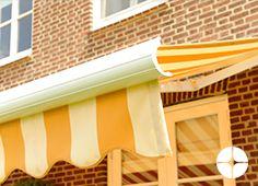 De Gota kenmerkt zich door zijn ruime keuze aan kleurmogelijkheden. De Gota is een type terrasscherm, dat door zijn unieke stelmogelijkheden in bijna iedere situatie te plaatsen is. Het stelmechanisme van de Gota gaat schuil achter een fraaie afwerking van druppelvormige zijkappen waardoor hij zeer compact oogt.