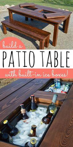 A Wooden Table with a Built-in Cooler Pool Diy, Patio Diy, Diy Outdoor Bar, Pallet Patio, Diy Outdoor Furniture, Outdoor Kitchen Design, Table Furniture, Budget Patio, Backyard Patio