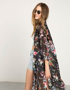 Kimono lang Bershka Blumen - Ponchos & Kimonos - Bershka Germany
