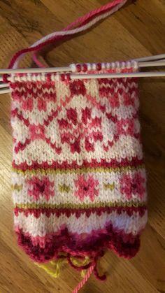 Moist Pumpkin Bread (One Bowl - handstulpen sitricken Crochet Gloves, Knit Mittens, Knitting Socks, Knitting Stitches, Mitten Gloves, Designer Knitting Patterns, Fair Isle Knitting Patterns, Knitting Designs, Knitting Projects