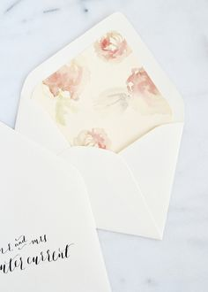 Such an easy way to upgrade envelopes! Great for weddings and parties. | BoxwoodAvenue.com