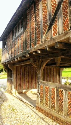 Although a generally open 'common' area, this building features one closed off segment of the ground floor. With a similar room on the ground, we could store large or heavy objects like the Warbird. English Architecture, Architecture Old, Historical Architecture, Architecture Details, Timber Buildings, Ancient Buildings, Old Buildings, Medieval Village, Medieval Houses