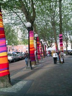 Visto en Yarn Bombing http://yarnbombing.com/