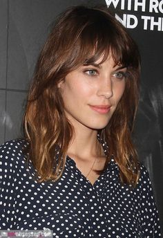 New hair cuts fringe ideas alexa chung Ideas Hairstyles With Bangs, Pretty Hairstyles, Bob Hairstyle, Haircuts, Alexa Chung Fringe, Alexa Chung Makeup, Fringe Haircut, Medium Hair Cuts, Fringes