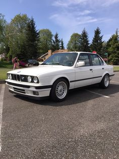 E30s on 15s - post yours - Page 50 - R3VLimited Forums Rolls Royce, Bmw E30 325, Bmw 528i, Auto Design, Bmw 3 Series, Entry Level, Touring, Euro, Cars