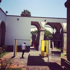 """From """"Buren en el @HospicioCabanas"""" story by Ximena Apisdorf on Storify — http://storify.com/Aldonza/buren-en-el-hospiciocabanas"""