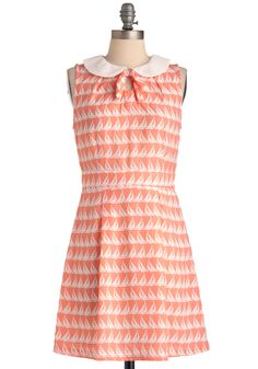 Apricot boat print dress with white peter pan collar and bow tie. Cute Summer Dresses, Pretty Dresses, Mod Dress, Dress Skirt, Skirt Fashion, Fashion Outfits, Retro Vintage Dresses, Colourful Outfits, Dress Backs