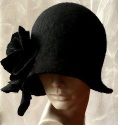 Años 1920 de Cloche del sombrero de fieltro negro por Feltpoint