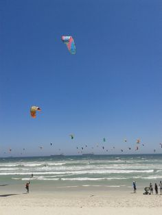 Kite Surfers at Blouberg Beach Kites, Red Sea, Surfers, African Beauty, Saudi Arabia, My Happy Place, Coastal Living, Cape Town, South Africa
