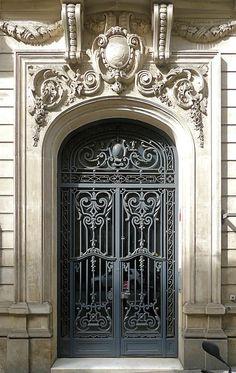 Barcelona - Muntaner 337 d Neoclassical Architecture, Classic Architecture, Architecture Design, Sustainable Architecture, Landscape Architecture, House Entrance, Entrance Doors, Portal, Door Design Images