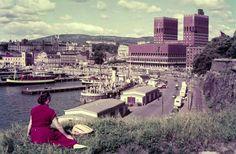 Oslo Rådhuset og Pipervika fra Festningen 1960-tallet Utg Normann
