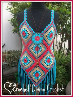 Hand Knitted Flower CrochetTank Tops with Fringe. Black or White Colors/ Colours. Cute for the Beach/ Pool/ Summer Bikini/ Swimsuit Cover swimsuit Gilet Crochet, Crochet Fringe, Crochet Lace, Crochet Halter Tops, Crochet Crop Top, Swimsuit Cover, Bikini Swimsuit, Hippie Crochet, Knitted Flowers
