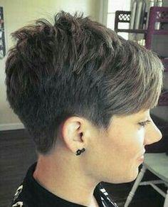 Guardar Short Hair Back, Pixie Haircut For Thick Hair, Short Grey Hair, Very Short Hair, Short Pixie Haircuts, Short Hair With Layers, Short Hair Cuts For Women, Short Hairstyles For Women, Cool Hairstyles