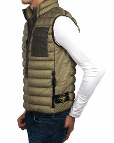 Chaleco Stone Island Plumas - Garment Dyed Micro Yarn Down Packable - Verde Oliva Carhartt Jacket, Vest Jacket, Carhartt Wip, Stone Island Gilet, Nike Outfits, Cool Outfits, Bape, Military Fashion, Mens Fashion