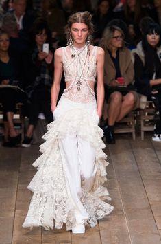 Alexander McQueen lace dresses at Paris Fashion Week Spring 2016 (Runway)