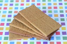 Paleo Graham Crackers on http://www.elanaspantry.com